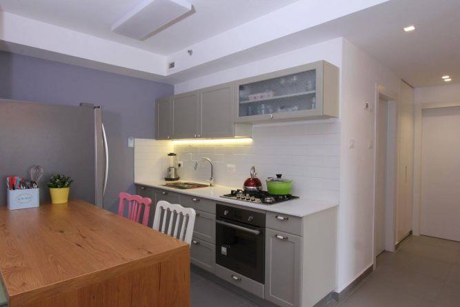 דירה ברחוב מרכולת, תל אביב. מטבח מעוצב, פרטים-סטודיו לאדריכלות ולעיצוב