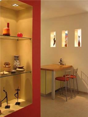 שולחן אוכל ונישת גבס - שקמה ויסמן זלצר - תכנון ועיצוב פנים