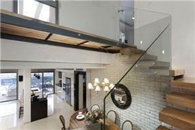 מדרגות - עיצוב לימור בן הרוש
