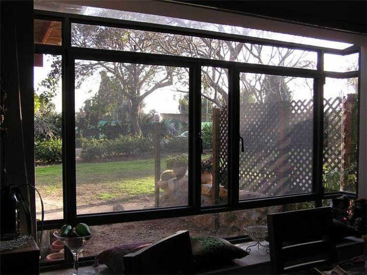 חלון - עיצוב חלון ליד פינת אוכל