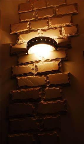 שילוב בין תאורה וחיפוי דקורטיבי