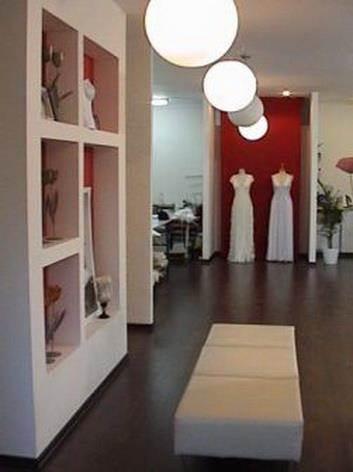 סטודיו  לעיצוב שמלות כלה, בקיבוץ אלונים - גלי הנדל אדריכלות ועיצוב פנים