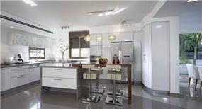 מטבח מודרני ופתוח. עיצוב פנים של יוסי שאול YS-DESIGN