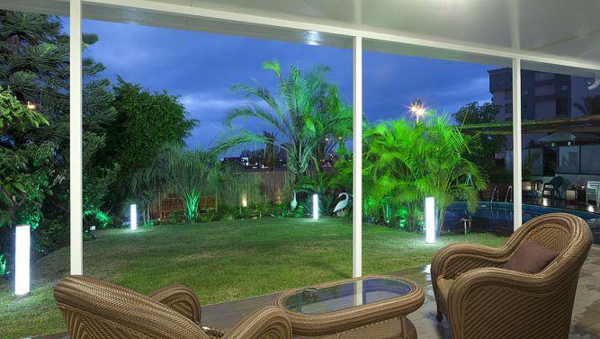 עיצוב גן בשילוב תאורה מיוחדת.יוסי שאול YS-DESIGN