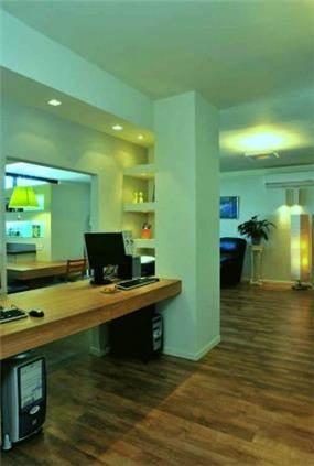 """חדר עבודה, דירה, ת""""א - תמי אורנשטין אדריכלים"""
