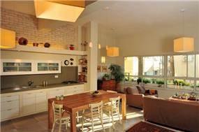 מטבח ופינת אוכל, בנין לשימור ת''א - תמי אורנשטין אדריכלים