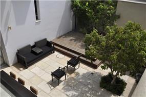 חצר בית, אושרת אביב - אדריכלות פנים