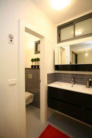 חדר אמבטיה מודרני, איריס מרקו - עיצוב ואדריכלות פנים