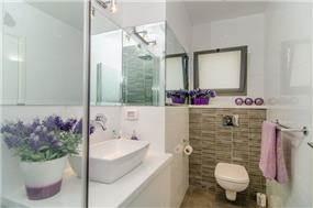 חדר אמבטיה מעוצב, איריס מרקו - עיצוב ואדריכלות פנים