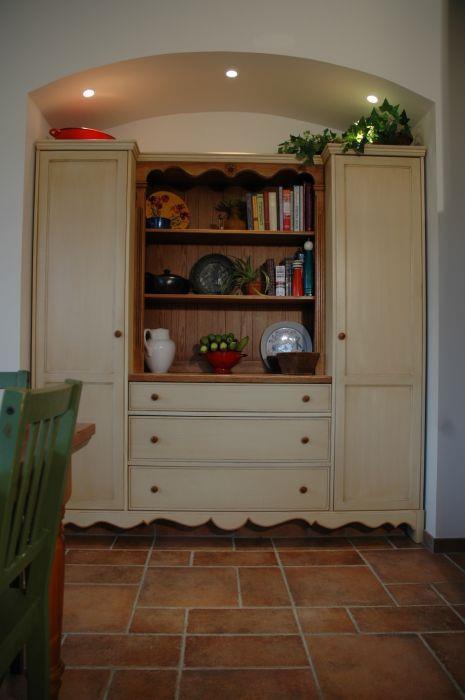 רהיט משלים לפינת אוכל - מודולור