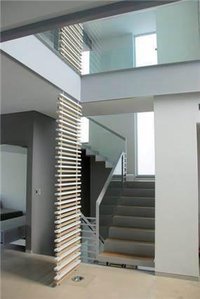 """חדר מדרגות - פיין ארק בע""""מ"""