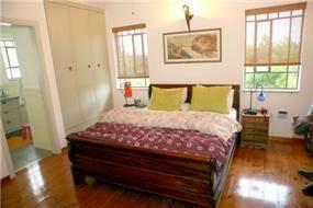 חדר שינה, בית פרטי, עמק חפר - רונית תירוש-אדריכלות ועיצוב פנים