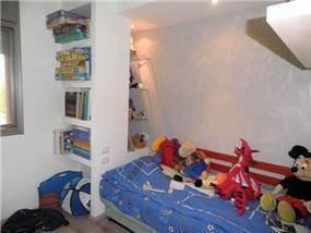 חדר ילדים המשלב עיצוב גבס, של קרן אור אדריכלות ועיצוב פנים