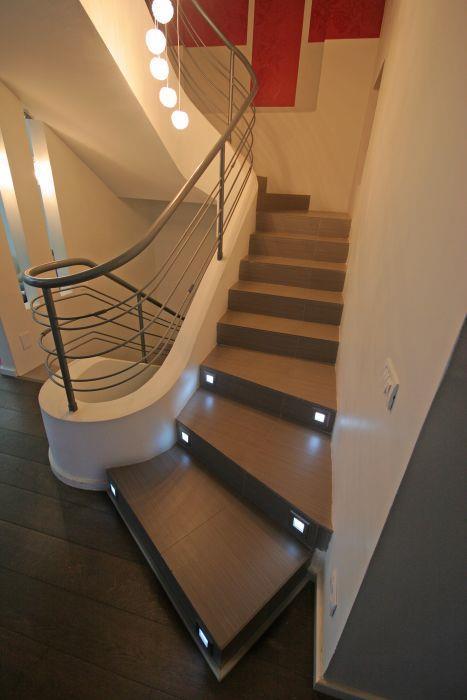 חלל מדרגות - מטאנויה