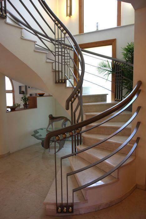 מדרגות - מטאנויה