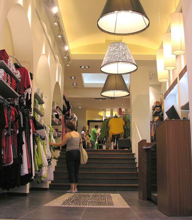 חנות אופנה, אריסטו שמט - דביר-רותם דיזיין
