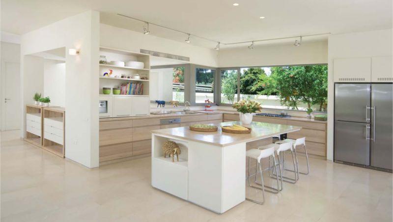 מטבח בתכנון רמה דותן וערן בינדרמן, דו אדריכלים