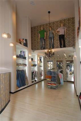 חנות בגדים בעיצוב רוית קשטן ארצי - שילובים