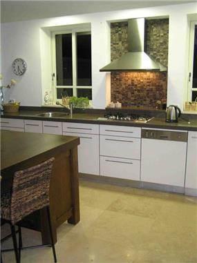 מטבח בסגנון כפרי בעיצוב שרון דוד