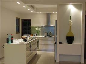 מטבח מודרני - ליאת הראל - עיצוב פנים וליווי פרוייקטים