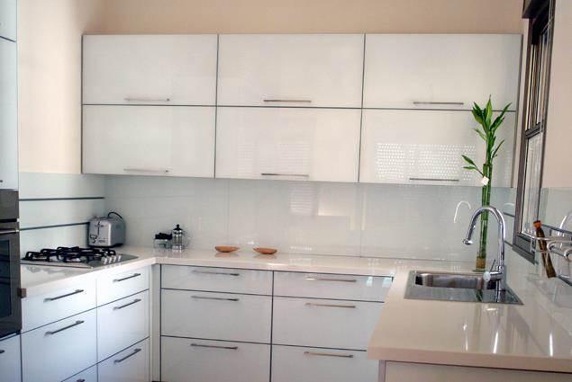 מטבח זכוכית - designtouch