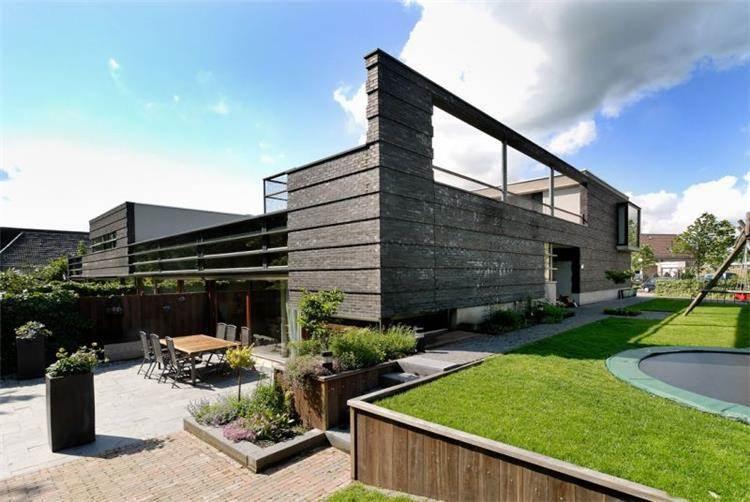 מבנה דירות צמודות קרקע. רורלו, הולנד