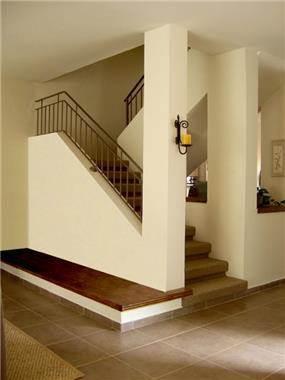 חדר מדרגות, בית פרטי, צור יגאל - אבירן פנסו אדריכל ומעצב פנים