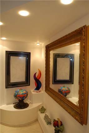 גלריה ביתית - אתרא - תכנון ובצוע