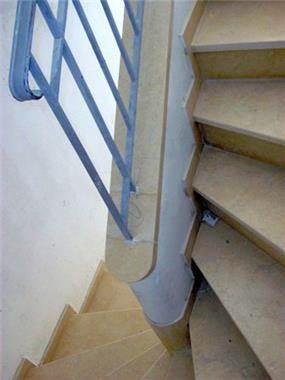 חדר מדרגות - אדריכל יובל אבנד