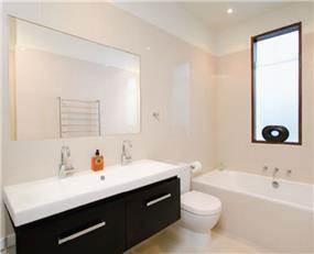 חדר אמבט מעוצב מבית חורב ופרסקו