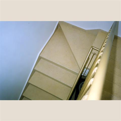 מדרגות מוזאיקה משולשות מבט עילי
