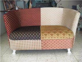 כורסא בעיצוב וריפוד של מרפדיית וויסאם