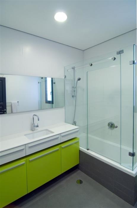 חדר אמבט כולל בעיצוב וביצוע של בית הנגר
