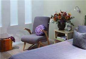 עיצוב בית מודרני ברמת החייל - מבט לחדר השינה