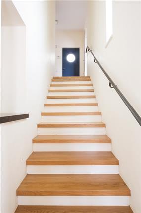 מבט לחדר המדרגות