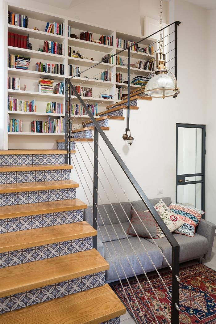 גרם מדרגות מעוצב מתוך הבית