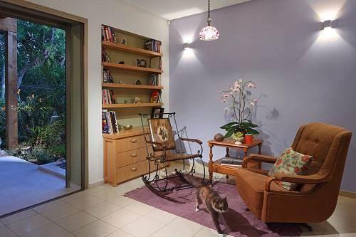 עיצוב בית מודרני ברמת החייל - מבט נוסף בסלון