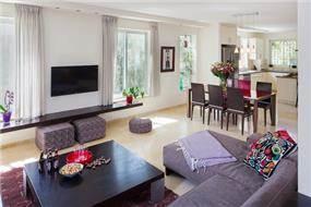 עיצוב בית במוצא עילית - מבט לסלון