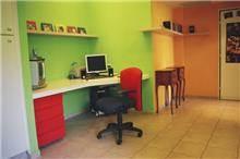 חדר עבודה צבעוני, נורית אמויאל - מעצבת פנים