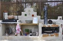 מטבח חוץ בעיצוב גינות פרובנס
