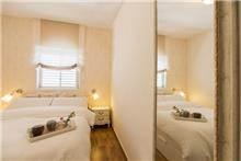 חדר שינה במראה חם ורומנטי, Inside Design