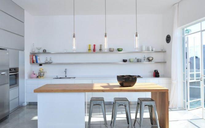 מטבח לבן עם חזיתות פורמייקה, נגריית מדור לדור
