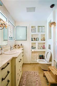 חדר אמבטיה - ברברה ברזין