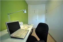 דירה ברח' קרני, ת''א. חדר עבודה - סטודיו פרטים. צילום: אלעד גוטמן.
