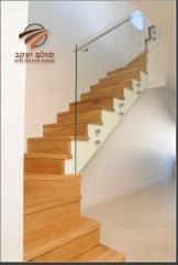 מדרגות פינתיות