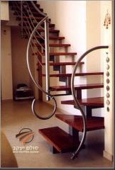 מדרגות ומעקות בעיצוב חדשני