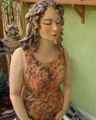 פסל אישה במדיטציה 2