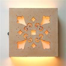 מנורת קיר מחמר טבעי ופורצלן