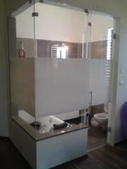 סגירת חדר אמבטיה מזכוכית
