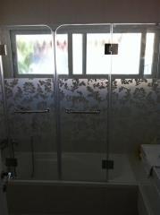 אמבטיון זכוכית בצריבת עלים